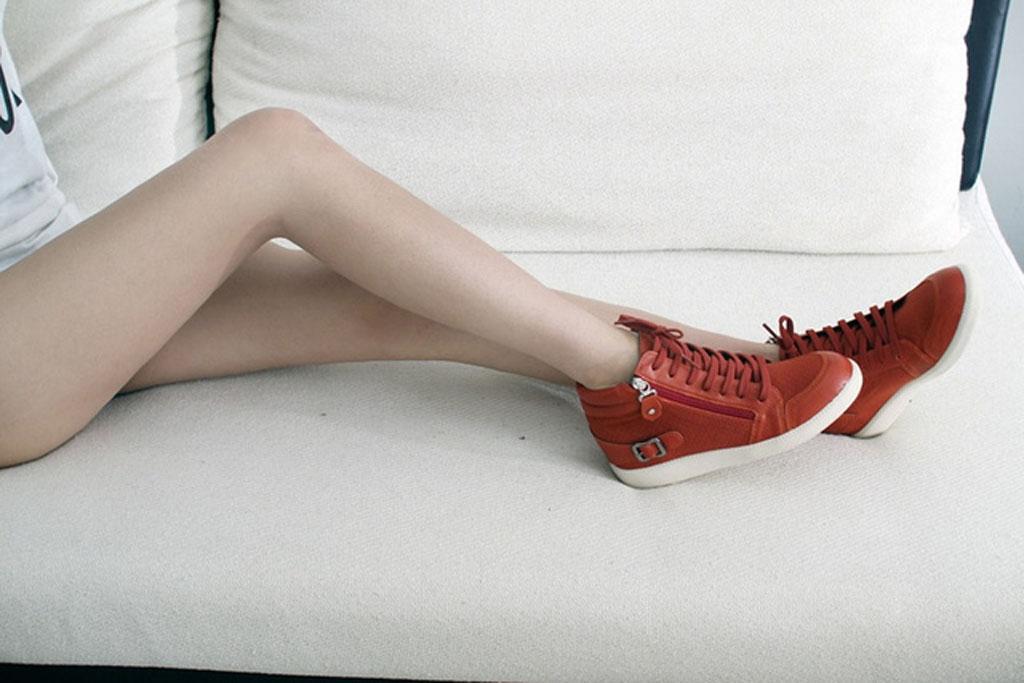 must-sneaker
