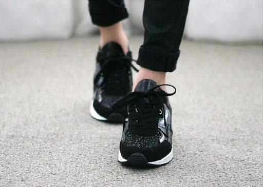 Tự tin sãi bước cùng giày MUST-Sneaker